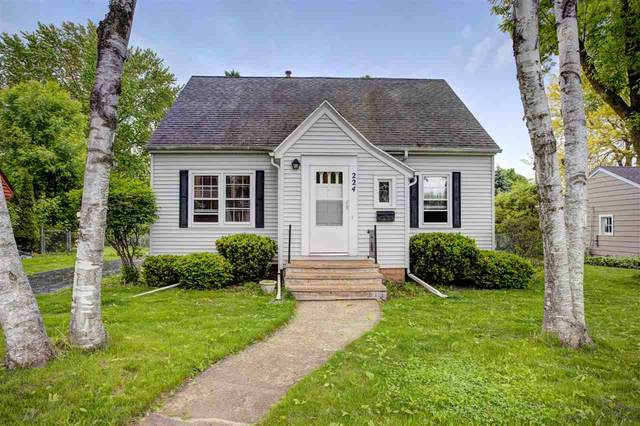 224 Cedar Street, Neenah, WI 54956 (#50222883) :: Dallaire Realty