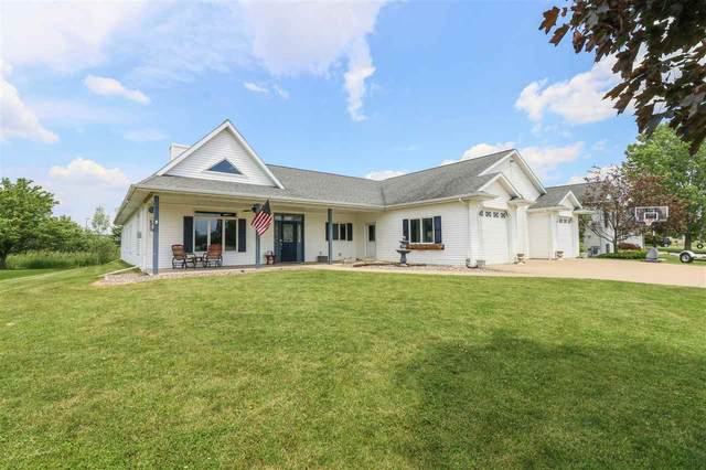1009 Twin Harbor Drive, Winneconne, WI 54986 (#50222996) :: Todd Wiese Homeselling System, Inc.