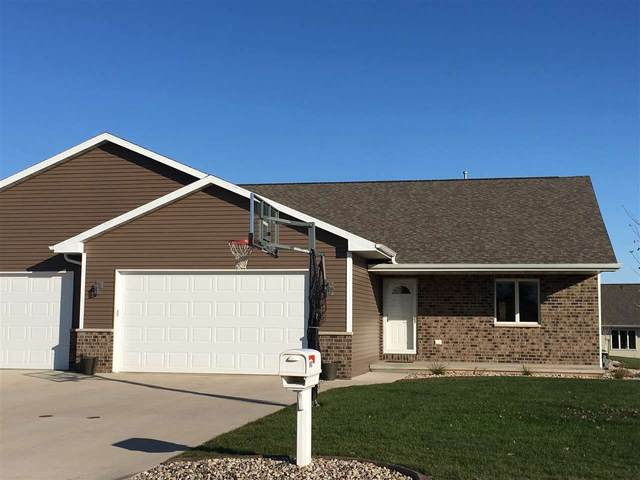 810 S Lincoln Street, Hortonville, WI 54944 (#50223082) :: Todd Wiese Homeselling System, Inc.