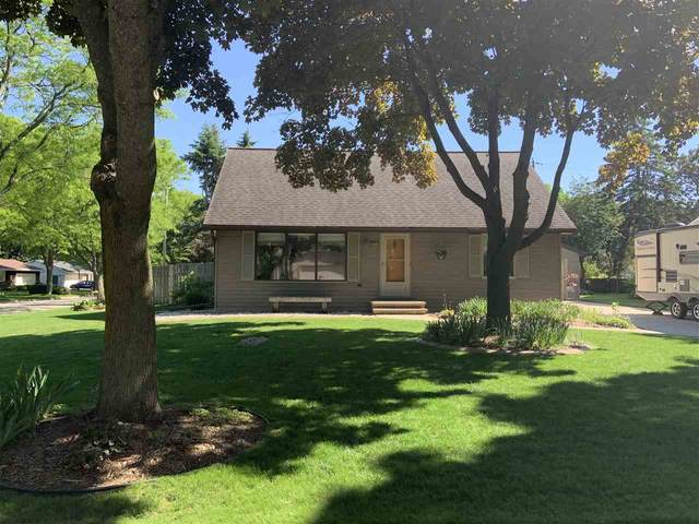 3044 Lawndale Drive, Green Bay, WI 54311 (#50223107) :: Dallaire Realty