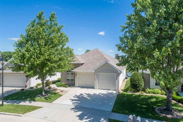 818 E Pondview Court, Appleton, WI 54913 (#50223335) :: Todd Wiese Homeselling System, Inc.