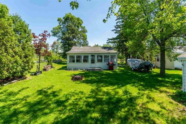 7621 Widgeon Lane, Larsen, WI 54947 (#50223719) :: Todd Wiese Homeselling System, Inc.
