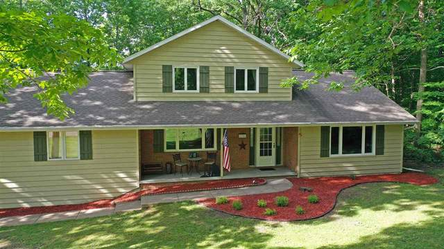 1726 Berkshire Drive, Green Bay, WI 54313 (#50223723) :: Todd Wiese Homeselling System, Inc.