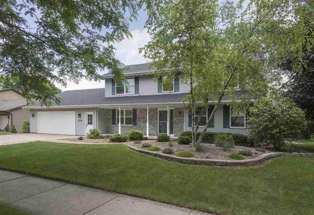 1316 E Capitol Drive, Appleton, WI 54911 (#50224016) :: Todd Wiese Homeselling System, Inc.