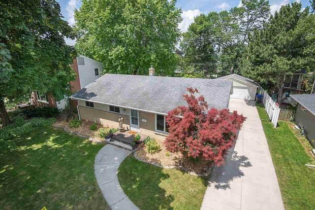 1108 E Lindbergh Street, Appleton, WI 54911 (#50224734) :: Todd Wiese Homeselling System, Inc.
