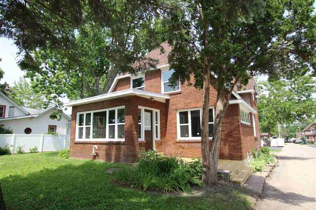 207 E Beacon Avenue, New London, WI 54961 (#50224744) :: Ben Bartolazzi Real Estate Inc