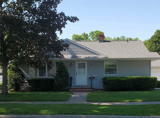 1412 W 4TH Street, Kimberly, WI 54136 (#50224915) :: Todd Wiese Homeselling System, Inc.