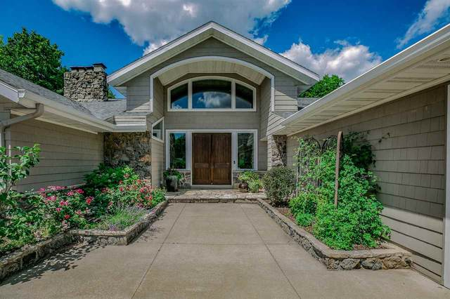 2508 Crestview Drive, Appleton, WI 54915 (#50225304) :: Todd Wiese Homeselling System, Inc.
