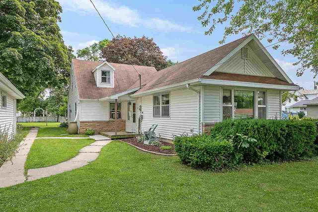 320 Columbus Avenue, Brillion, WI 54110 (#50225697) :: Ben Bartolazzi Real Estate Inc