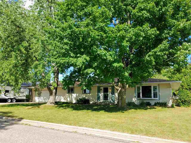 1834 S Pearl Street, New London, WI 54961 (#50226114) :: Ben Bartolazzi Real Estate Inc