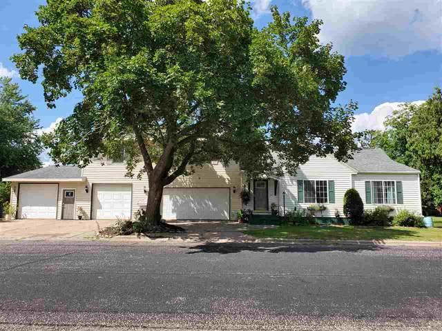 204 W Parker Street, Weyauwega, WI 54983 (#50226124) :: Symes Realty, LLC
