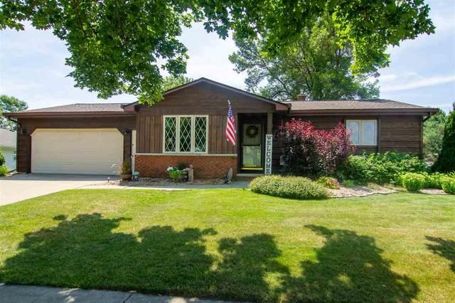 2317 E Calumet Street, Appleton, WI 54915 (#50226162) :: Symes Realty, LLC