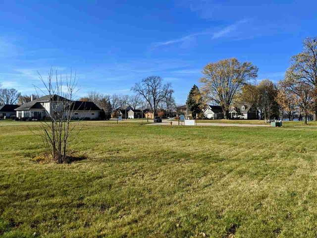 1199 Pages Point Road, Menasha, WI 54952 (#50226324) :: Todd Wiese Homeselling System, Inc.