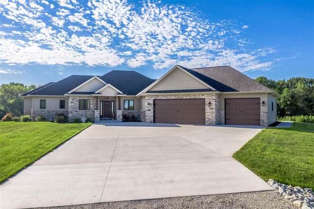N2770 Sleepy Creek Drive, Kaukauna, WI 54130 (#50227286) :: Todd Wiese Homeselling System, Inc.