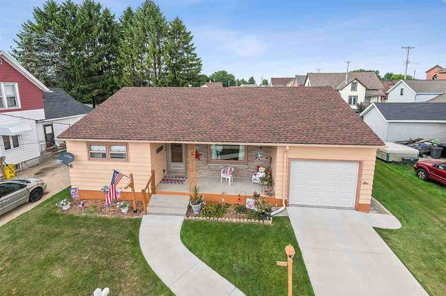 1606 19TH Street, Two Rivers, WI 54241 (#50227526) :: Symes Realty, LLC