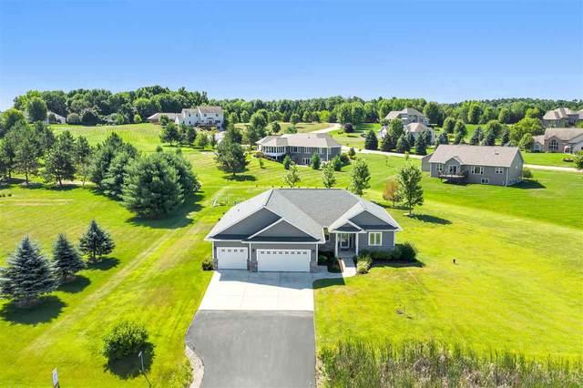 3315 Hawk Ridge Trail, Suamico, WI 54313 (#50227839) :: Carolyn Stark Real Estate Team