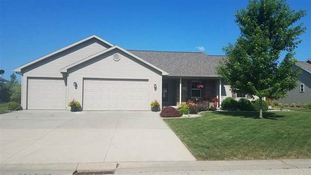 N9031 Blackoak Street, Menasha, WI 54952 (#50227905) :: Symes Realty, LLC