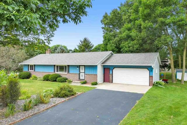3121 Claymore Lane, New Franken, WI 54229 (#50228524) :: Ben Bartolazzi Real Estate Inc