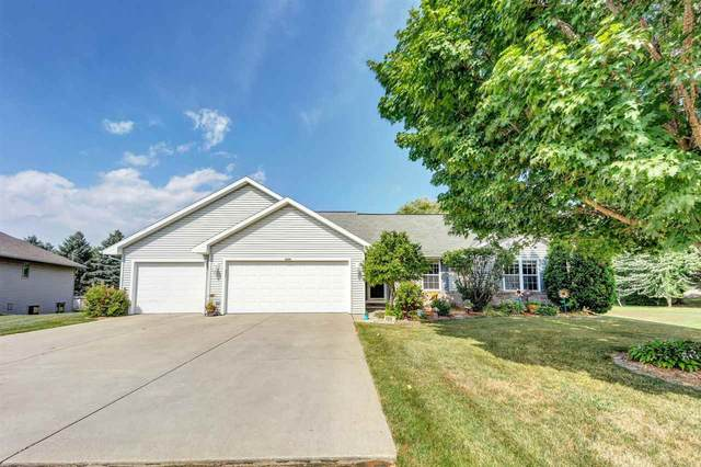 2228 Redpepper Trail, Green Bay, WI 54313 (#50228560) :: Todd Wiese Homeselling System, Inc.