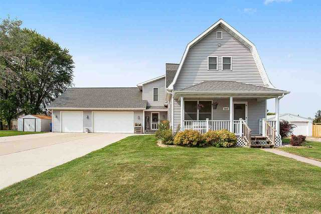 6830 Bunker Hill Road, Wrightstown, WI 54126 (#50229347) :: Carolyn Stark Real Estate Team