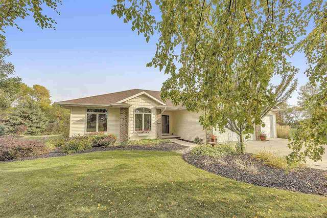 3148 Lazy Day Drive, De Pere, WI 54115 (#50229993) :: Todd Wiese Homeselling System, Inc.