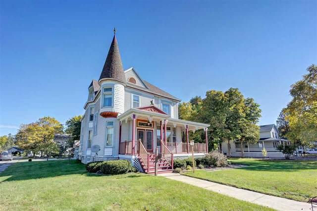 427 Main Street, Oconto, WI 54153 (#50230748) :: Ben Bartolazzi Real Estate Inc