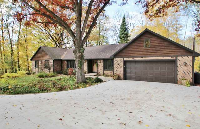 1529 Fox Trail, Green Bay, WI 54313 (#50231054) :: Symes Realty, LLC
