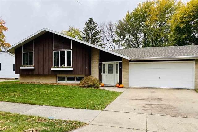 802 Viola Avenue, Oshkosh, WI 54901 (#50231318) :: Ben Bartolazzi Real Estate Inc