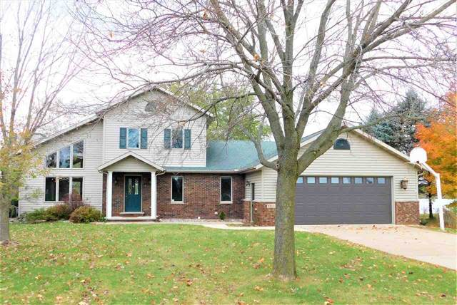 N5633 Riverside Drive, Shawano, WI 54166 (#50231524) :: Todd Wiese Homeselling System, Inc.
