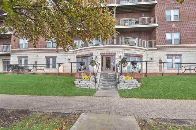 118 S Washington Street 410B, Green Bay, WI 54301 (#50231581) :: Town & Country Real Estate