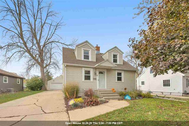 1610 11TH Avenue, Green Bay, WI 54304 (#50231762) :: Todd Wiese Homeselling System, Inc.