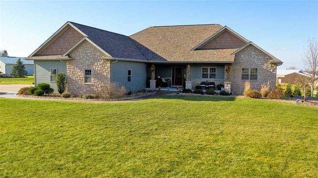 N2591 Chapel Hill Drive, Hortonville, WI 54944 (#50232385) :: Dallaire Realty