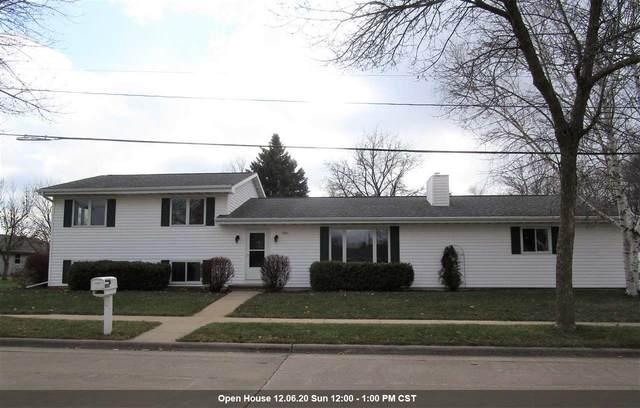 1901 E Bluebird Lane, Appleton, WI 54915 (#50232948) :: Symes Realty, LLC