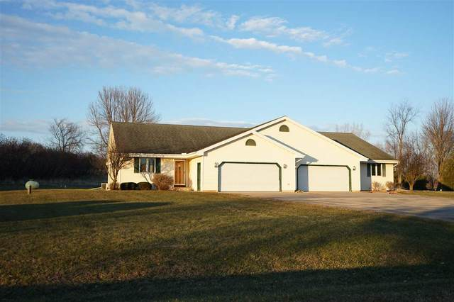 E9490 Church Road, New London, WI 54961 (#50233398) :: Town & Country Real Estate