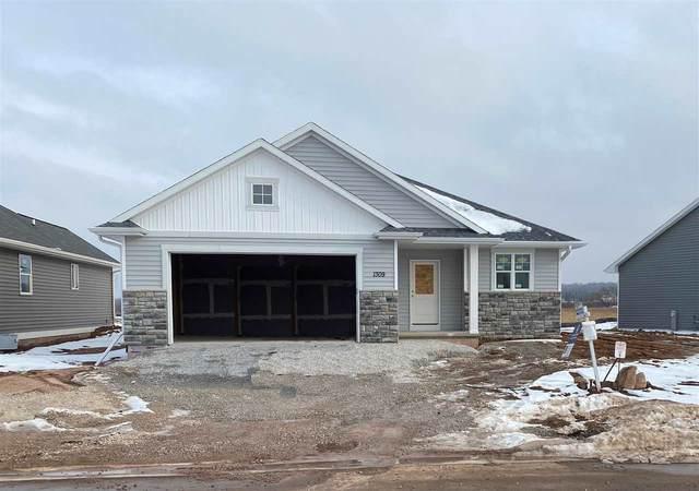 1309 Brayden Lane, De Pere, WI 54115 (#50233964) :: Todd Wiese Homeselling System, Inc.