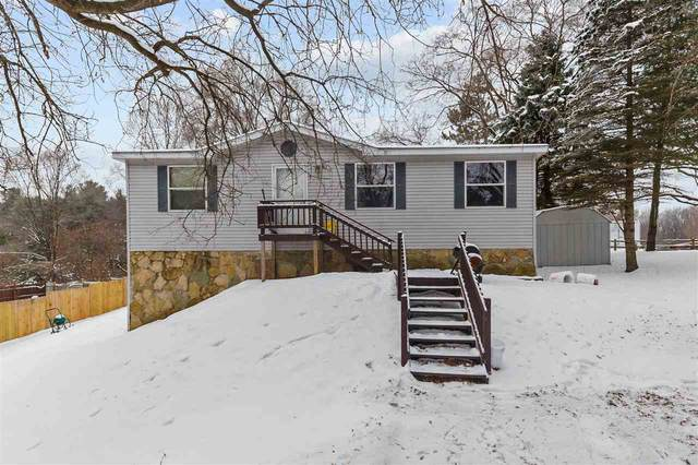 118 Pershing Street, Clintonville, WI 54929 (#50234037) :: Dallaire Realty