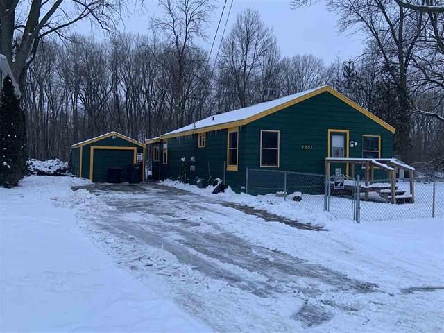 1251 Valley Lane, Green Bay, WI 54303 (#50234093) :: Ben Bartolazzi Real Estate Inc