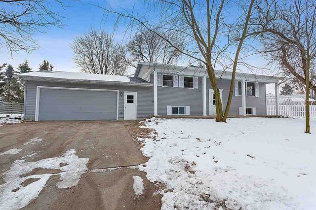 490 Hiawatha Drive, Brillion, WI 54110 (#50234273) :: Dallaire Realty