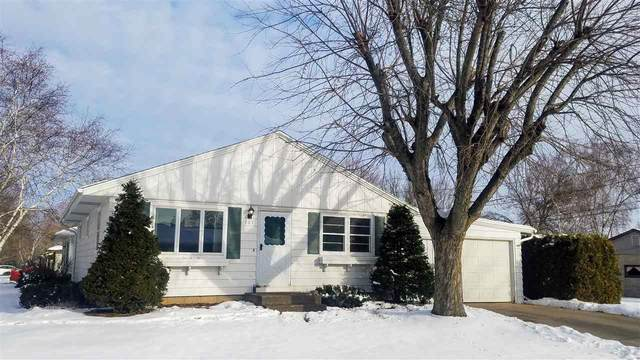 101 E Martin Street, New London, WI 54961 (#50234307) :: Todd Wiese Homeselling System, Inc.