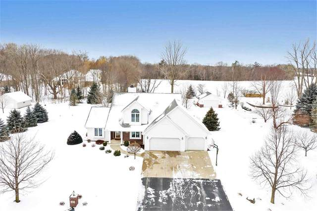 3187 River Forest Hills Drive, Pulaski, WI 54162 (#50234932) :: Town & Country Real Estate