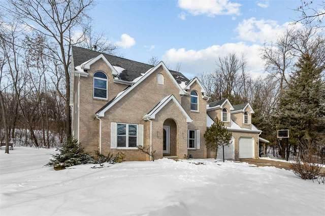 8411 Ridgeview Court, Larsen, WI 54947 (#50235066) :: Town & Country Real Estate