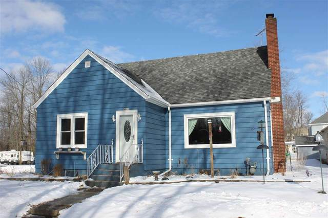 4912 Ball Park Road, Little Suamico, WI 54141 (#50235108) :: Town & Country Real Estate