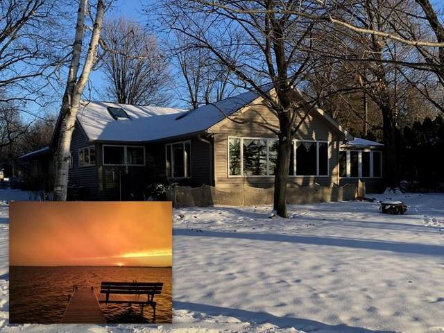 7107 Clarks Point Road, Winneconne, WI 54986 (#50235146) :: Symes Realty, LLC