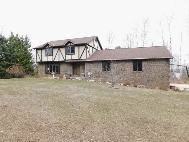2454 Forest Meadows Court, Green Bay, WI 54313 (#50235295) :: Ben Bartolazzi Real Estate Inc