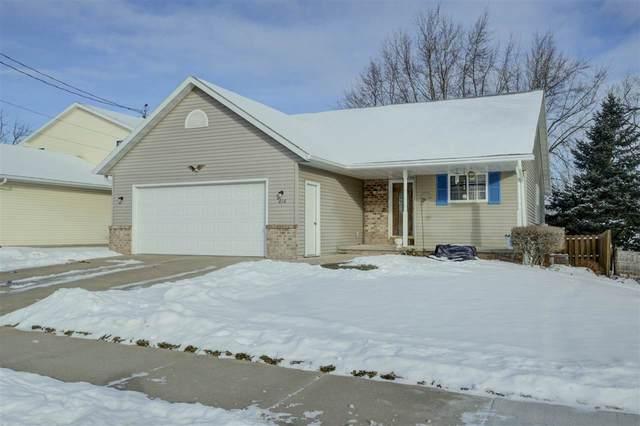 616 W 10TH Street, Kaukauna, WI 54130 (#50235525) :: Town & Country Real Estate