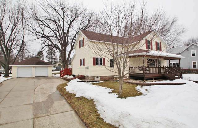 207 E Ducharme Street, Kaukauna, WI 54130 (#50236230) :: Town & Country Real Estate