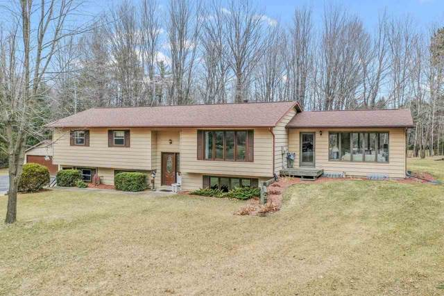 2100 Carleen Court, Suamico, WI 54173 (#50237551) :: Town & Country Real Estate