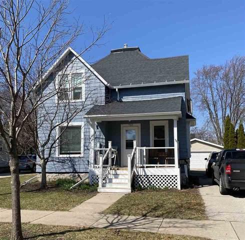 720 W Oklahoma Street, Appleton, WI 54914 (#50238053) :: Dallaire Realty