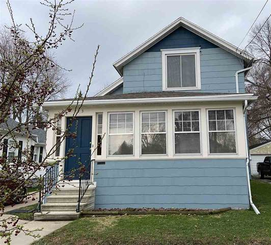 123 W 15TH Avenue, Oshkosh, WI 54902 (#50238124) :: Todd Wiese Homeselling System, Inc.