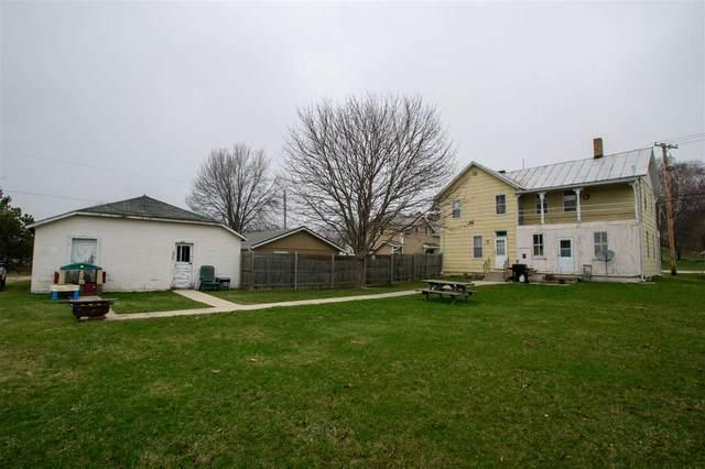 212 N Water Street, Algoma, WI 54201 (#50238315) :: Symes Realty, LLC